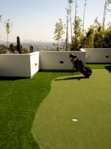 putting green off of master suite
