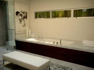 Cool bath on Donheny